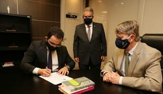 Juiz Elielson Pereira assume  1ª Vara da Comarca de Delmiro Gouveia