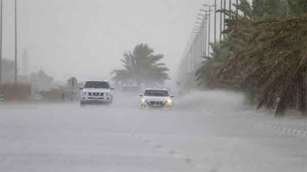News, World, International, Abu Dhabi, UAE, Alerts, Police, Travel, Traffic, Traffic Law, UAE weather alert: Police urge motorists to reduce speed as rain hits parts of country