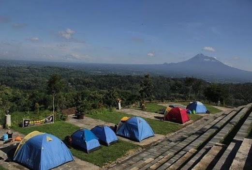 Watu Tapak Camp Hill Jogja: Lokasi, Rute, & Harga Tiket Terbaru