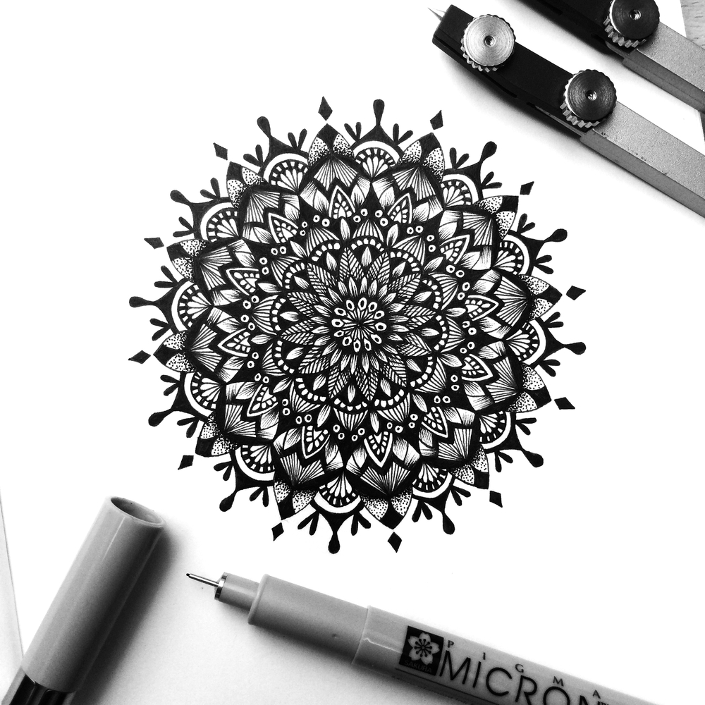 09-Hypnosis-Pavneet-SembhiSelf-taught-Artist-Creates-Intricate-and-Detailed-Drawings-www-designstack-co