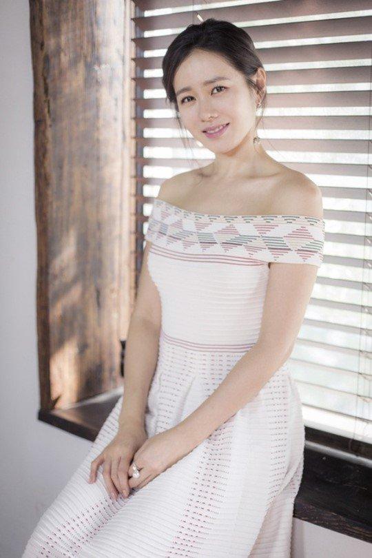 Ye-jin Son Nude Photos 6
