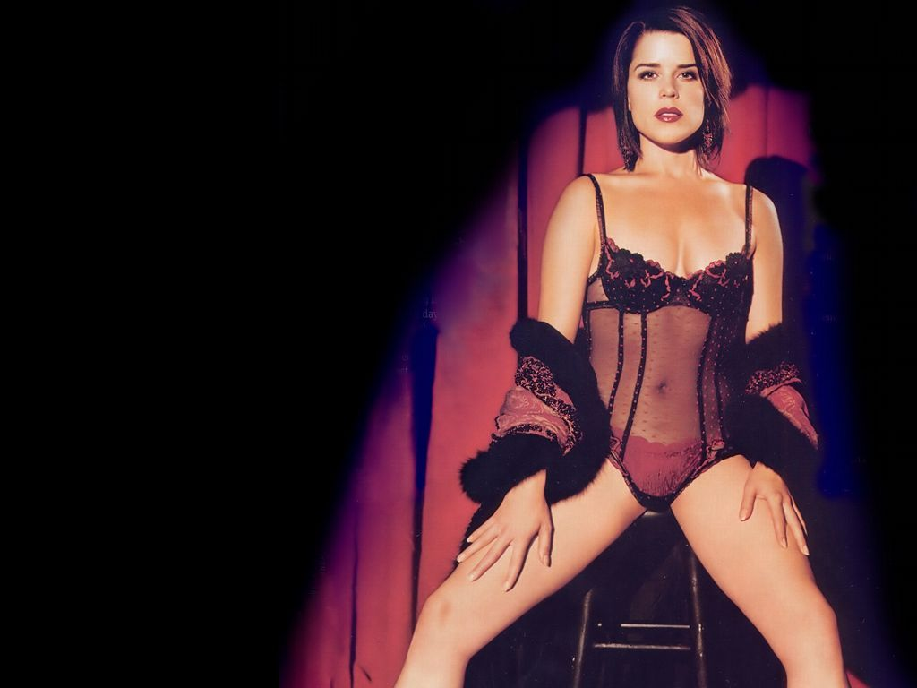 neve campbell hot pics