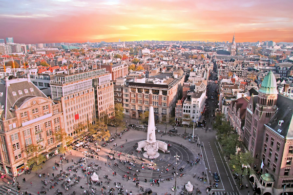 Sightseeing in Amsterdam with Dam Square Webcam