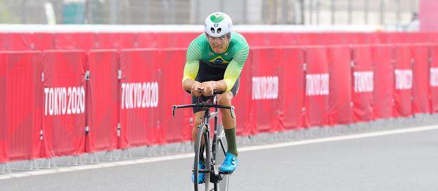 Carlos Alberto Gomes Soares em ação na pista do Circuito Internacional de Fuji
