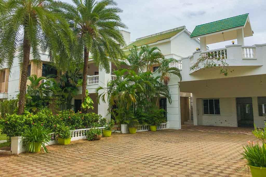 greenland beach house ecr for hire