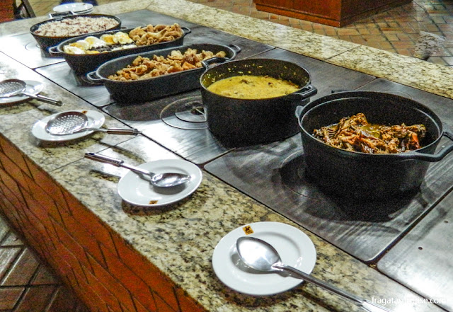Bufê de comida de tropeiros, na cidade da Lapa, Paraná