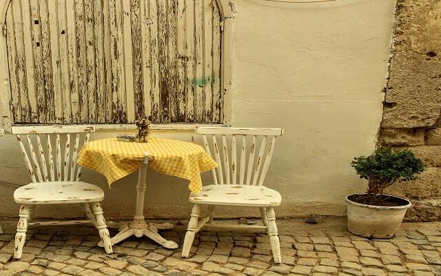 masa-sandalye-sohbet