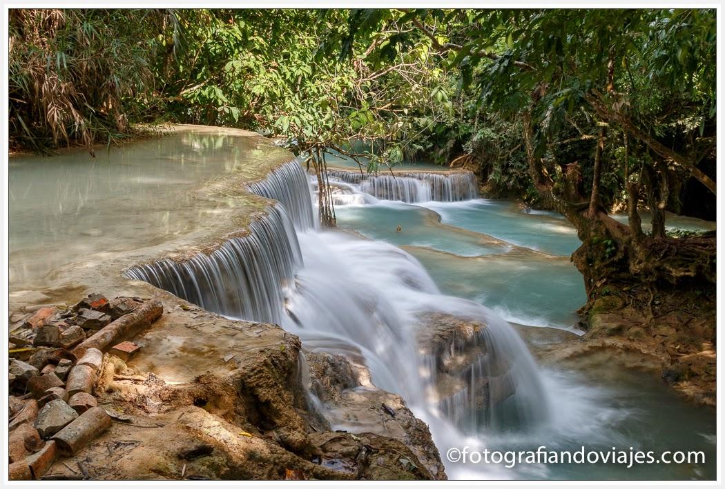 cascadas de Kuang Si o Tat Kuang Xi cerca de Luang Prabang en Laos