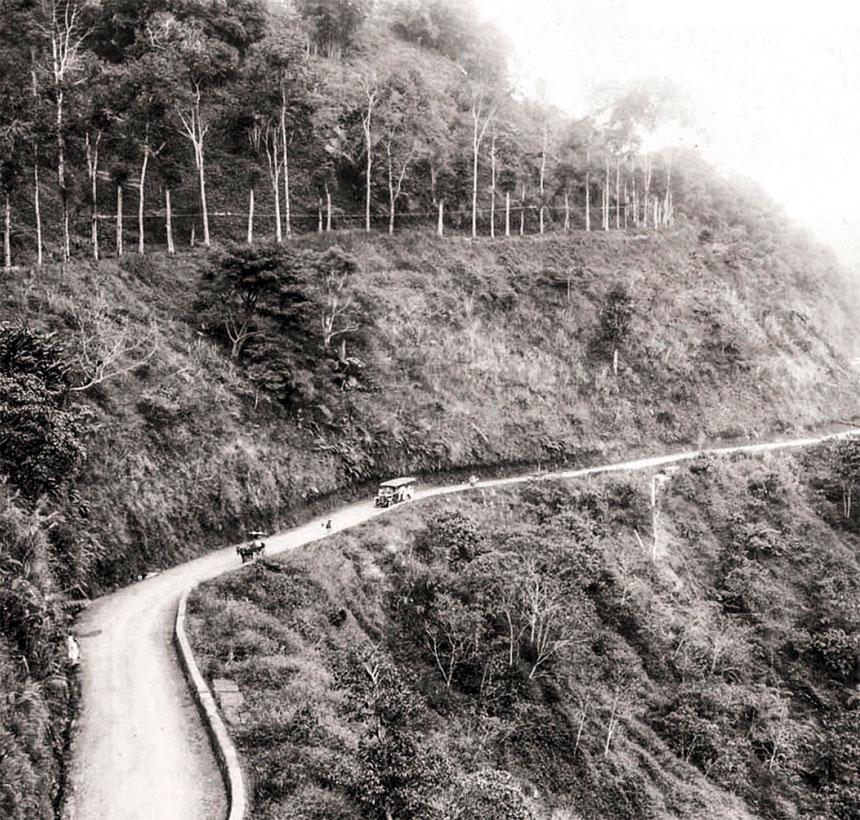 Mitos dan Sejarah Cadas Pangeran Jalur Bandung Sumedang