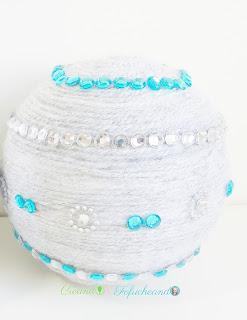 Esfera-de-brillos-2-ideas-fáciles-para-decorar-esferas-creandoyfofucheando