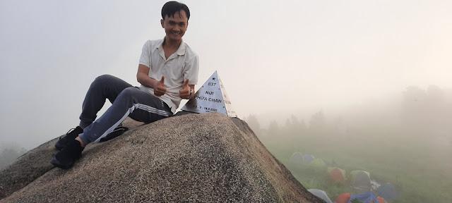 Khám phá bản thân cùng Team Prosumer chinh phục đỉnh núi Chứa Chan - Gia Lào