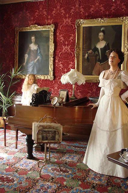 Sala de música do castelo de Warwick, no estilo Belle Époque