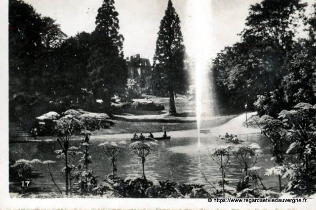 Photo ancienne de Clermont-Ferrand  lac du jardin des plantes