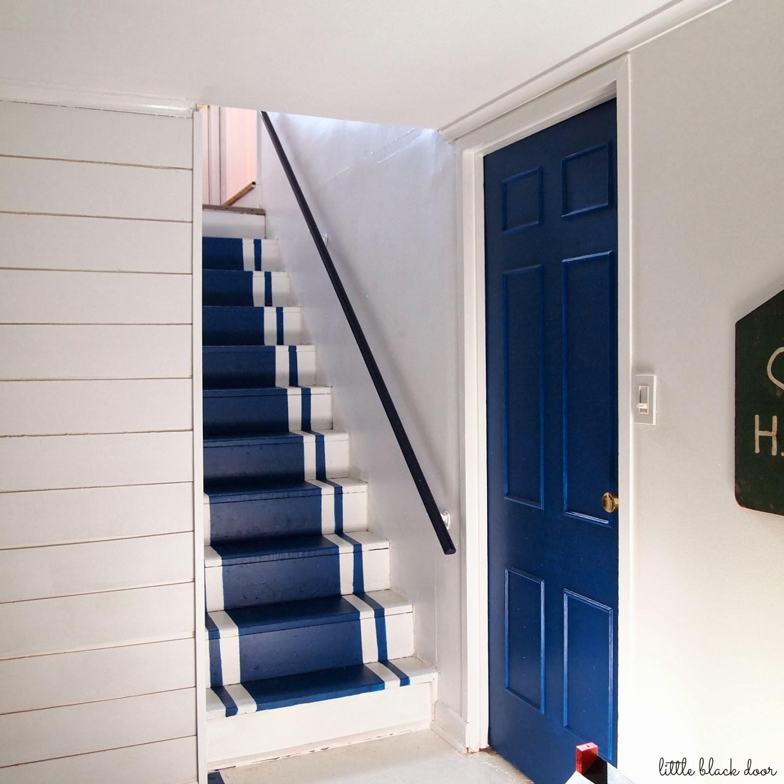 little black door i 39 ve got my sources. Black Bedroom Furniture Sets. Home Design Ideas