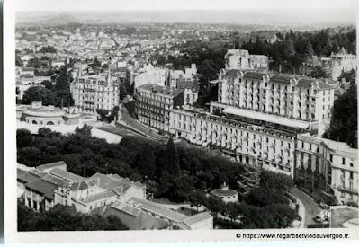 Vue de Royat, hier,  noir et blanc Royat, vue générale sur la Parc.