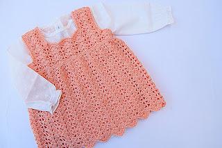 2-Crochet Imagen Vestido a crochet en forma de pichi o peto muy fácil
