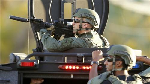 Mê súng đạn là vấn nạn của nước Mỹ