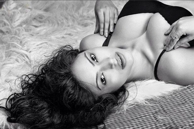 Actress Devshi khanduri Latest Photo gallery In HD #Devshi