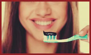 recomandari alibirea dintilor acasa cu carbune activ