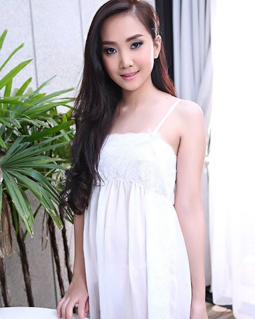 Lolita cheng Photos