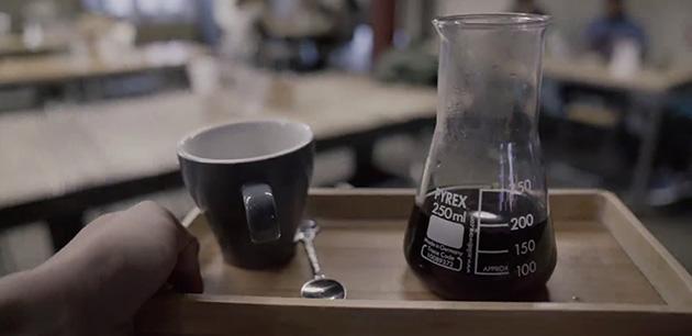 kopi luwak kahvesi hazırlama, kopi luwak kahvesi yapma, barista kopi luwak kahvesi, WWW.KahveKafe.Net