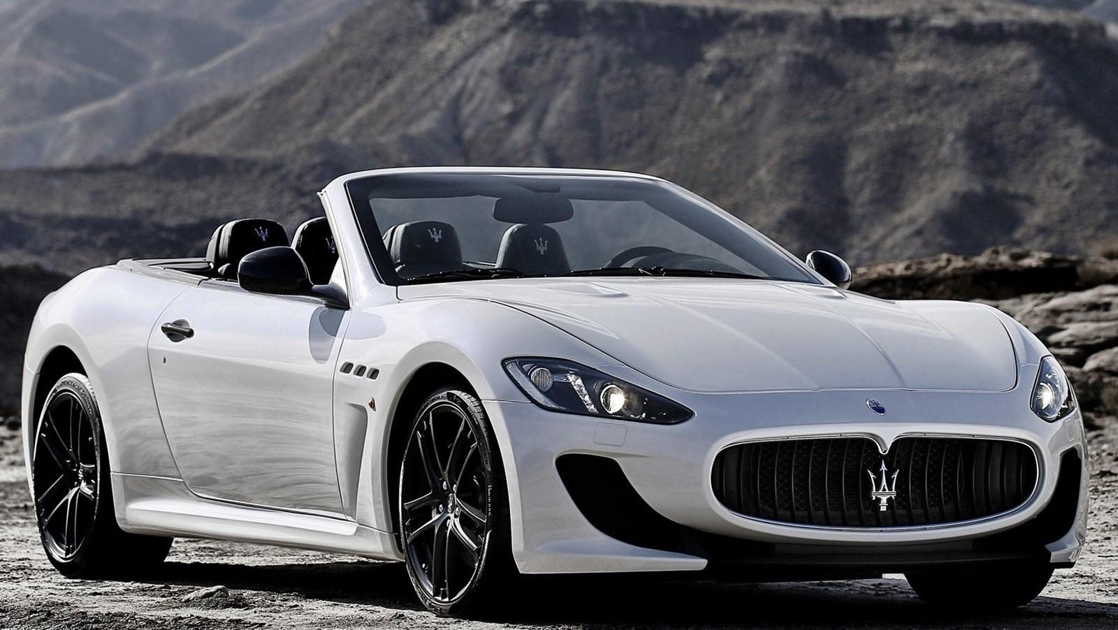 2015 Maserati GranCabrio Pictures