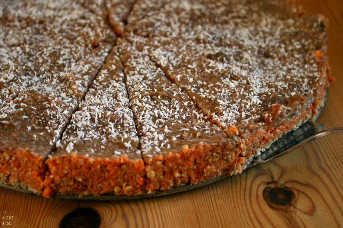 http://be-alice.blogspot.com/2015/03/no-bake-carrot-cake-raw-vegan-gluten.html