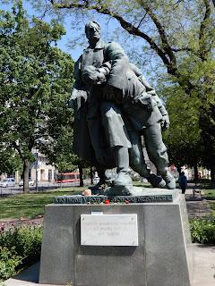 スロバキアのブラチスラバで見つけた銅像