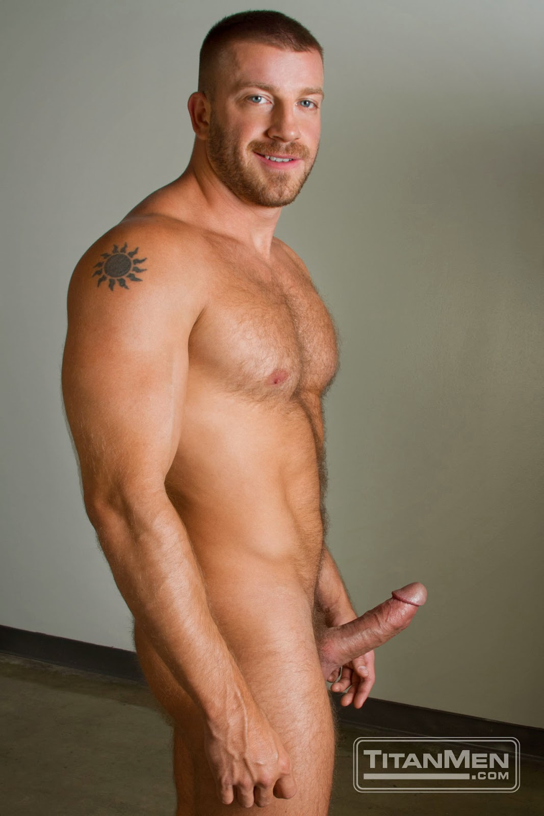 Hairy Man Eye Candy Hunter Marx-8915