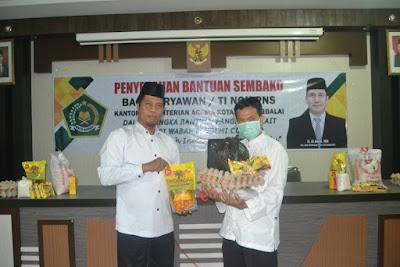 Peduli Pandemi Covid-19, Kemenag Tanjungbalai Salurkan Bantuan Sembako Bagi Karyawan/ti Non PNS