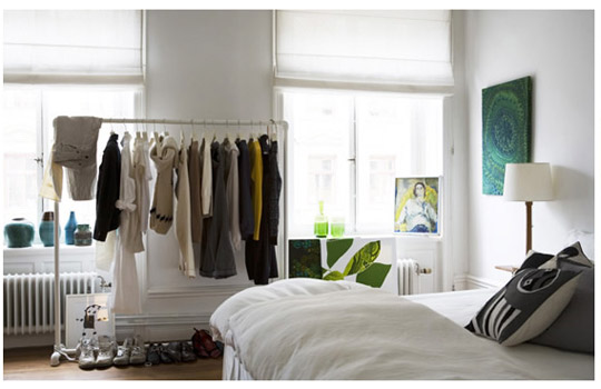 A Lifestyle Blog: DIY INSPO~CLOTHING RACK