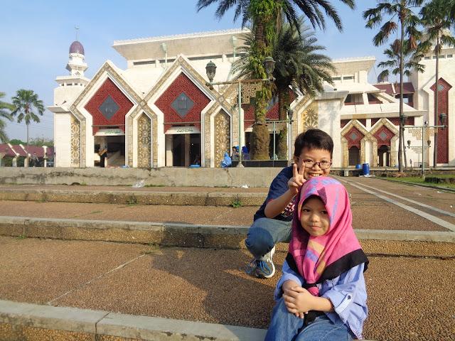 masjid at tin jakarta