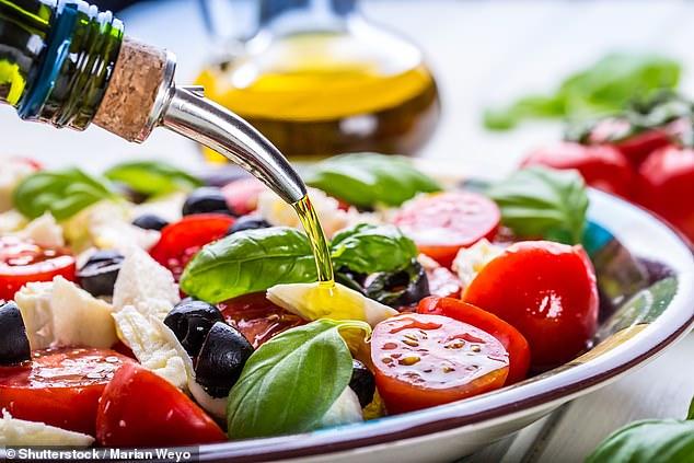 Γιατί η Μεσογειακή διατροφή βοηθά τους ηλικιωμένους να έχουν καλή υγεία