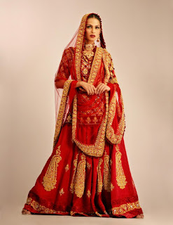 Indian-designer-bridal-lehenga-saree-fashion-trends-for-girls-9