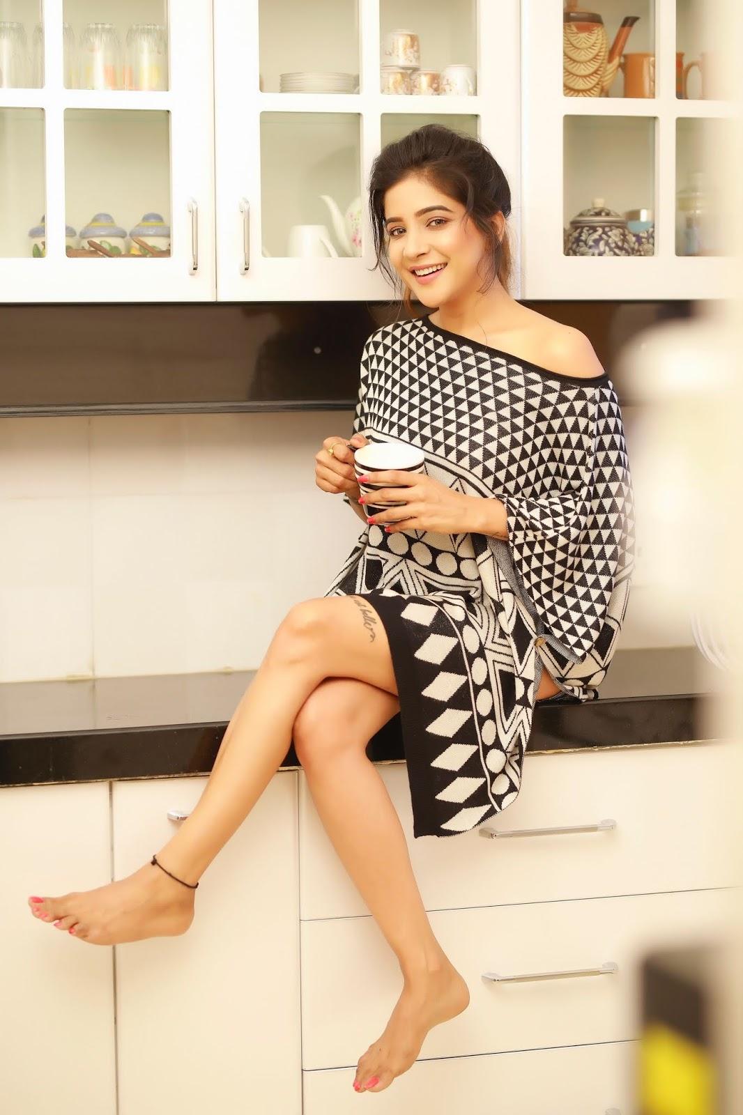 Actress Sakshi Agarwal 2018 New Photoshoot