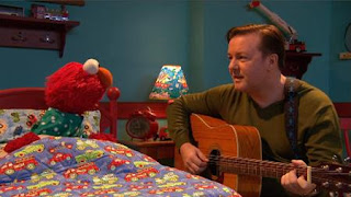 Elmo can't sleep, Ricky Gervais sings a celebrity lullaby, Sesame Street Episode 4407 Still Life With Cookie season 44