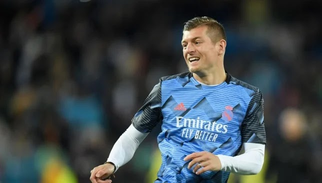 Toni Kroos struggled a lot on the pitch last season, but although his performance was not at the required level, Real Madrid decided to renew his contract until 2023 and build a new project around him.