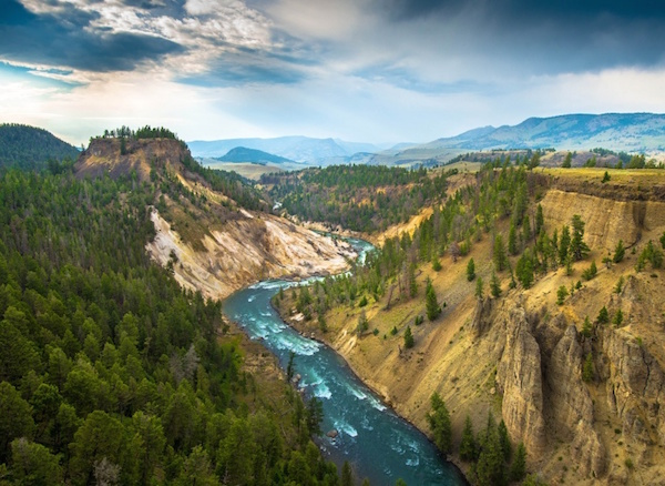 14. Yellowstone Mountains