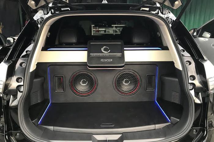 Model box speaker ideal untuk mobil