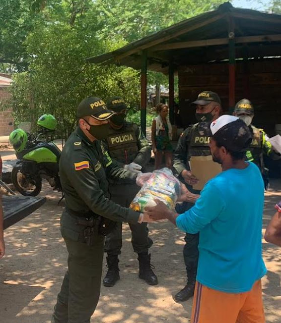 Policía Cesar lleva mercados por las vías del departamento