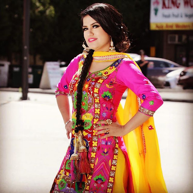 Beautiful Kaur B Wallpaper in pink Punjabi Suit - Photoshoot - picpile