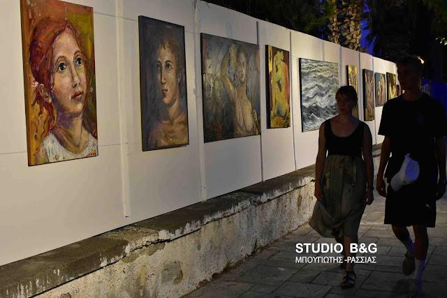 """""""Ναυτική Ναυπλιάδα 2018"""": Εξαιρετικά έργα ζωγραφικής από 14 ντόπιους καλλιτέχνες στους δρόμους του Ναυπλίου (βίντεο)"""