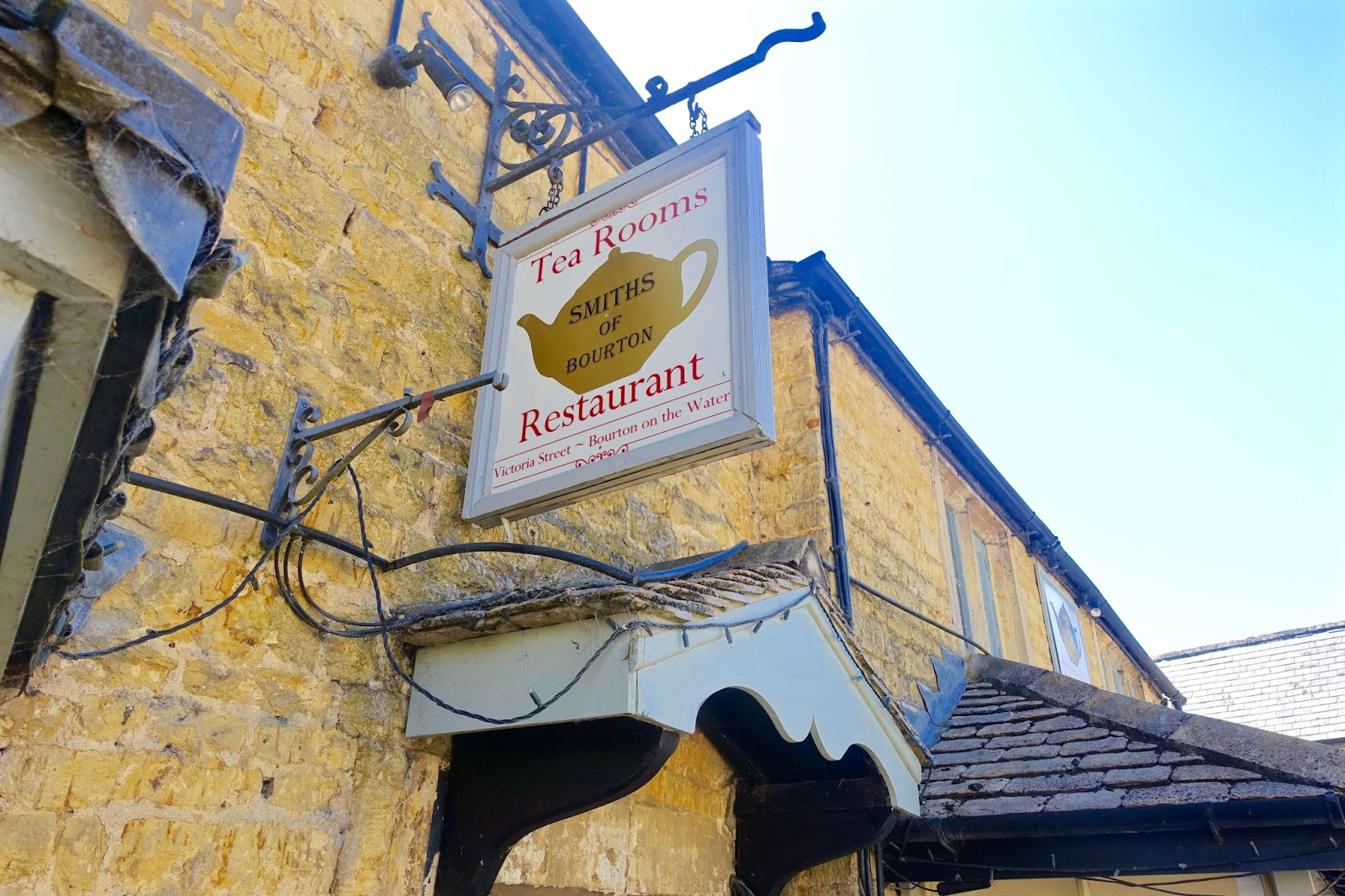 Smiths of bourton tea room and restaurant