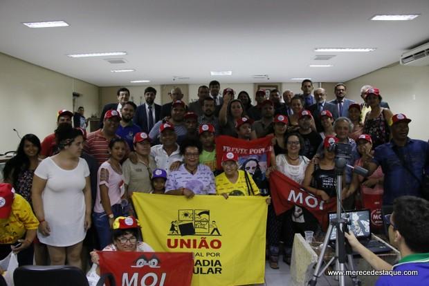 Câmara Municipal de Vereadores de Santa Cruz do Capibaribe recebe representantes de movimento social de habitação popular