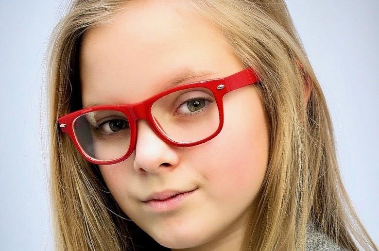 8178214378aa7 Mejora el rendimiento y comodidad en los deportes  Los niños tienen que  tener actividad física diaria y el uso de lentillas les proporciona mayor  comodidad ...