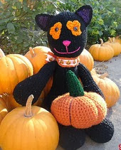 http://www.ravelry.com/patterns/library/midnight-the-halloween-cat