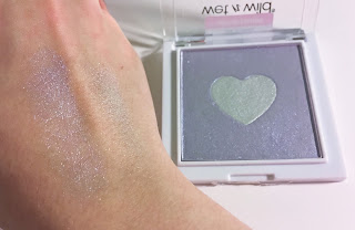 wet n wild megaglo highlighting powder lilac to reality swatch