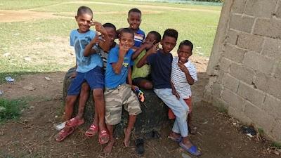 Insamling till julmat till familjer i Dominikanska republiken
