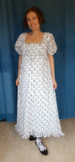 http://evashistoricalcostumes.blogspot.se/p/a-printed-muslin-gown-c-1805-1815.html