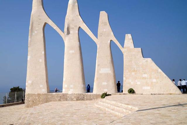Τις γυναίκες της Ελλάδας που μέσα από την αυτοθυσία τους πέρασαν στην αθανασία, θα τιμήσουν η Περιφερειακή Ενότητα, ο Δήμος Πρέβεζας και οι Τοπικές Κοινότητες Καμαρίνας, Κρυοπηγής και Ωρωπού σε μια μεγάλη εκδήλωση που θα πραγματοποιηθεί την Κυριακή 10 Οκτωβρίου στον Ιερό Βράχο του Ζαλόγγου με τίτλο: «Τιμή στην αυτοθυσία της Ελληνίδας».